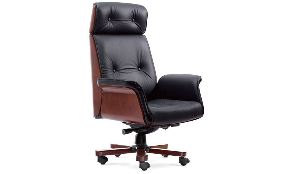 chesterfield office chair in black leather and wooden base with wheels