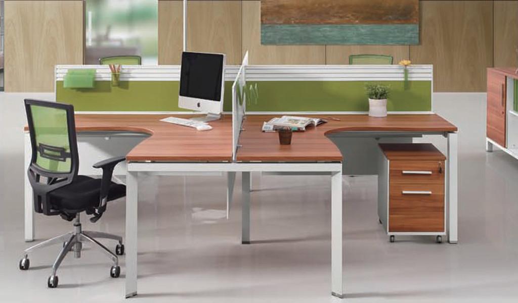 Plus Desking System 'E-Half - Cross'