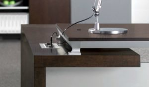 office desk in open grain oak veneer with wire box