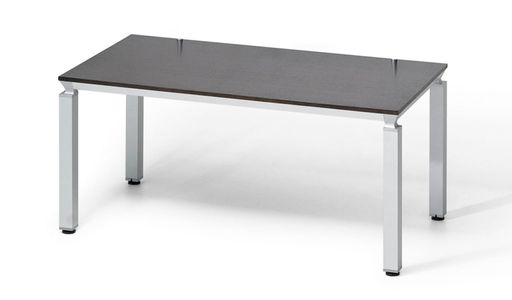 modular training table in veneer with aluminum legs