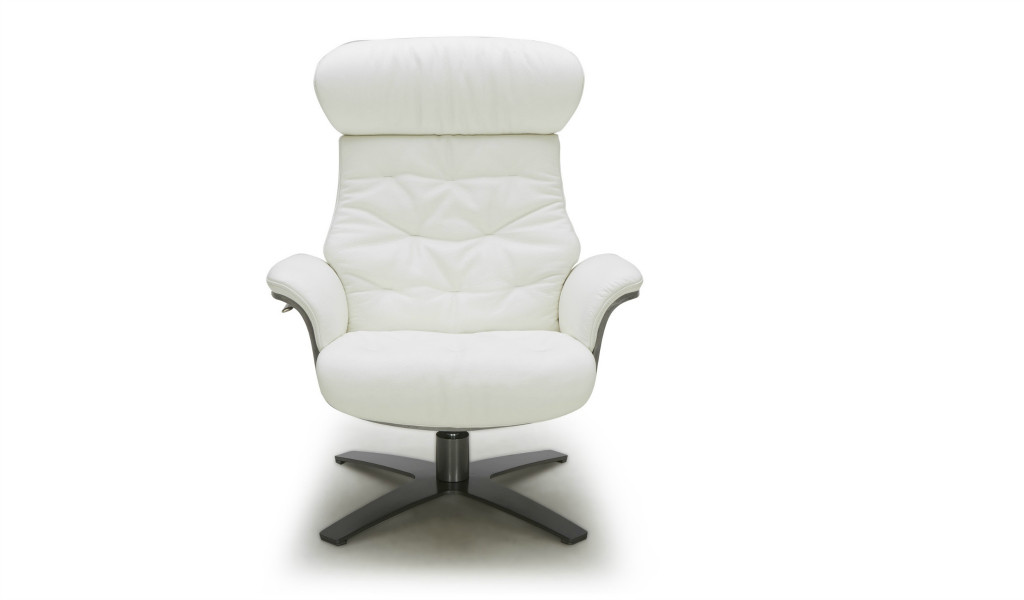 lounge chair in white leather with four star swivel base