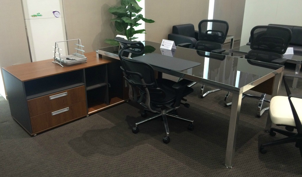 Metal Executive Desks