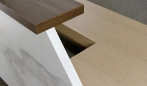 reception table finish in natural marble and walnut veneer
