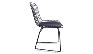 cafeteria chair made with black wire