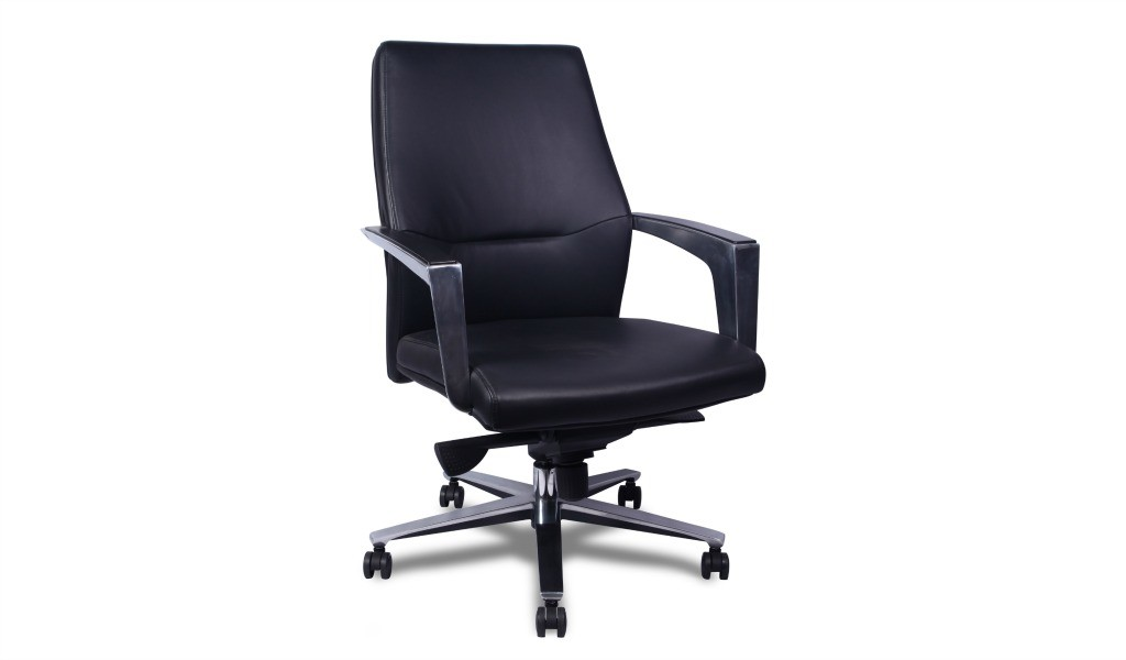 medium back office chair in leather with steel armrests