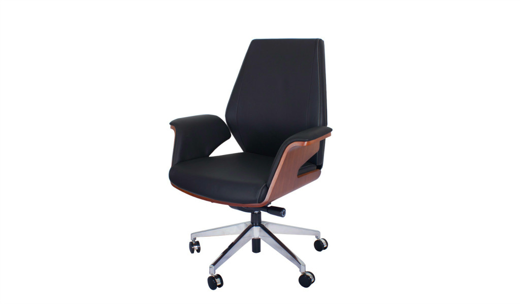 premium office chair in black leather and walnut veneer, medium back