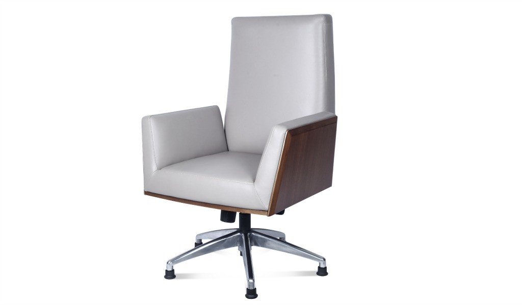 office chair in premium leather and walnut wood