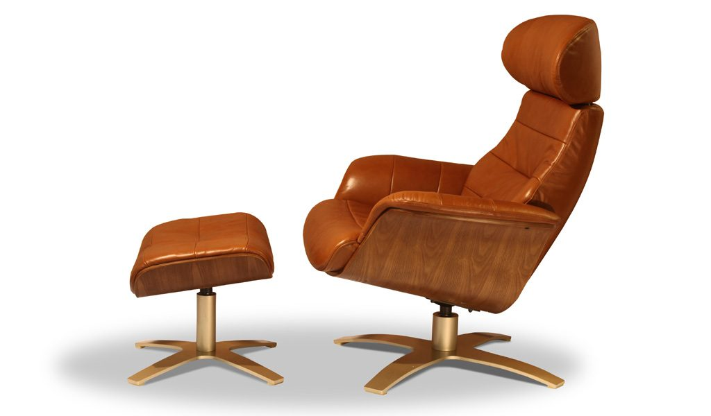 lounge chair and ottoman in tan leather