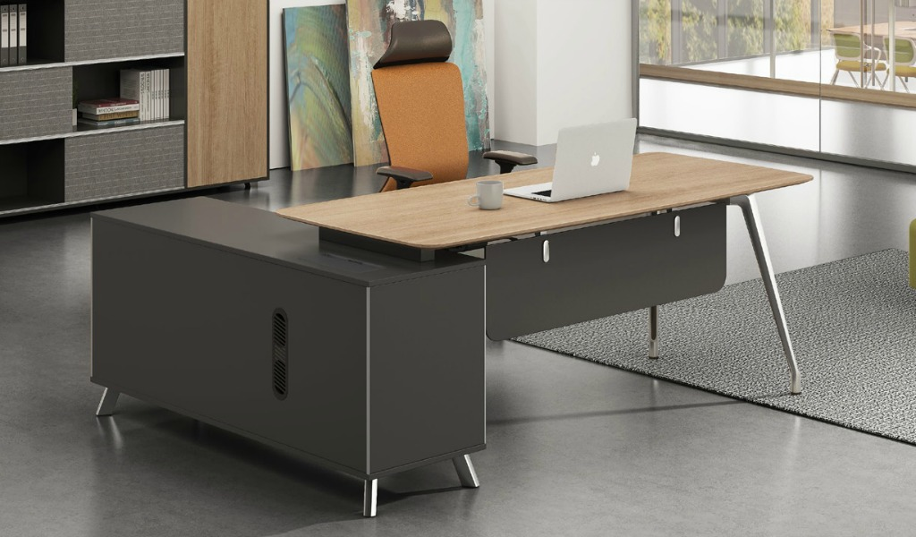 Medium Office Desks (6 to 8 Feet)